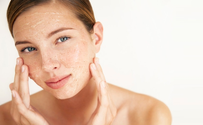6 Amazing Natural DIY Face Scrub Recipes
