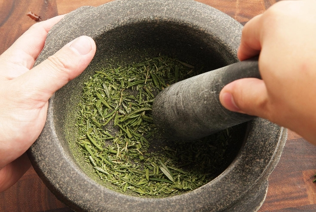 Add Dried Parsley Herb To Your Diet