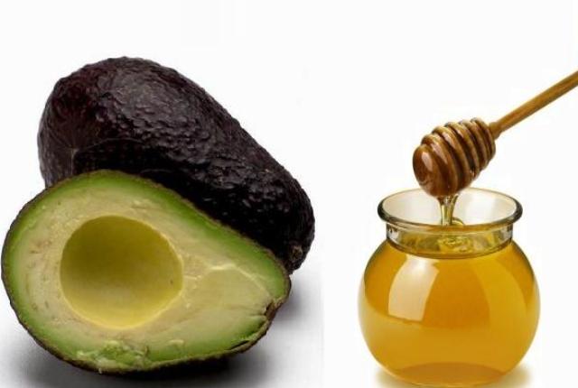 Apply Avocado And Honey Paste