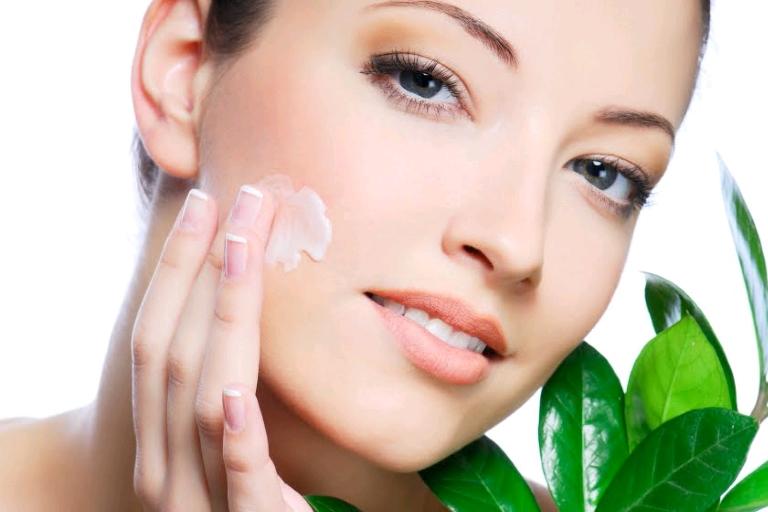 9 Homemade Anti-Acne Face Masks