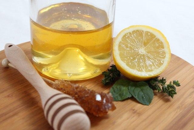Lemon Juice And Honey Mask