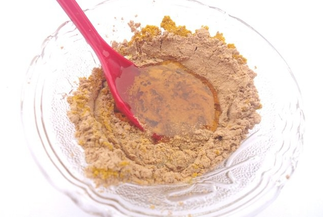 Sandalwood And Coconut Water Mask