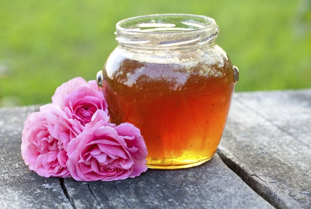 Rose Water And Honey Cleanser