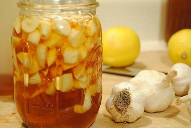 Apple Cider Vinegar And Garlic