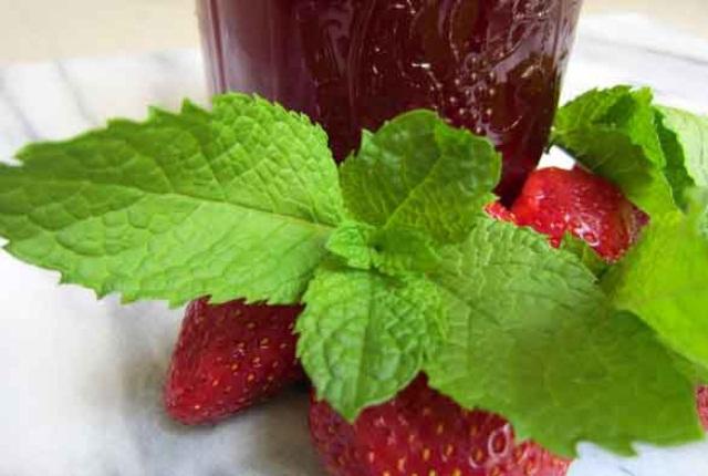 Strawberry & Mint Facial