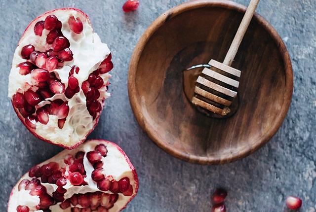 Pomegranate & Honey Facial Mask for Blemished Skin