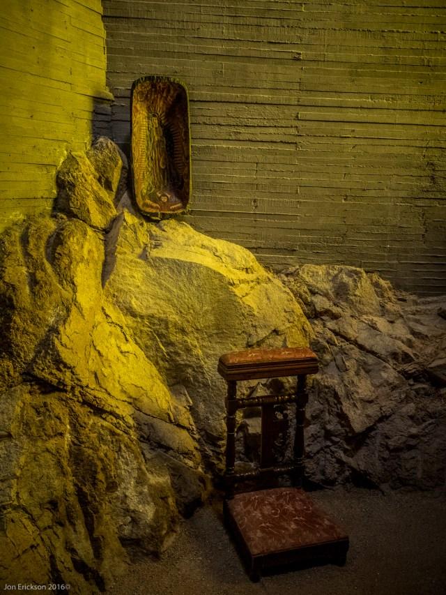 Pray Alter in the Cava