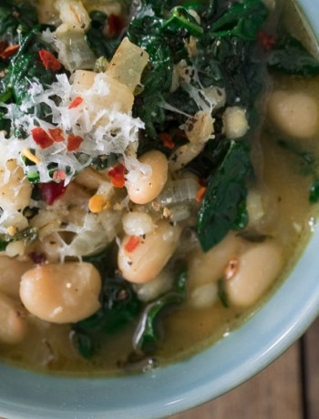 Kale White Bean Soup | This easy, one pot soup is packed with hearty kale, beans, and barley. Ready in less than an hour! | seasonedvegetable.com