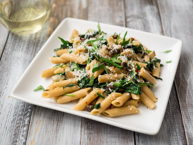 Mushroom Spinach Pasta | An easy, weeknight vegetarian pasta dinner. | SeasonedVegetable.com #pasta #vegetarian #recipe #mushroomrecipe #vegetarianrecipe