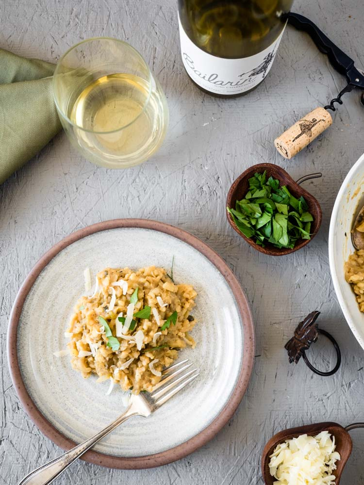 Brown Rice Risotto with Apple and Sage | An easy, no-stir brown rice risotto with fennel, apple and pureed cannellini beans is perfect for a hearty, stick to your ribs, fall dinner. | SeasonedVegetable.com #winepairing #veganrisotto #fallrecipe #veganthanksgiving