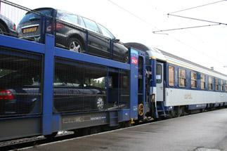 Motorail cars trailing passenger cars