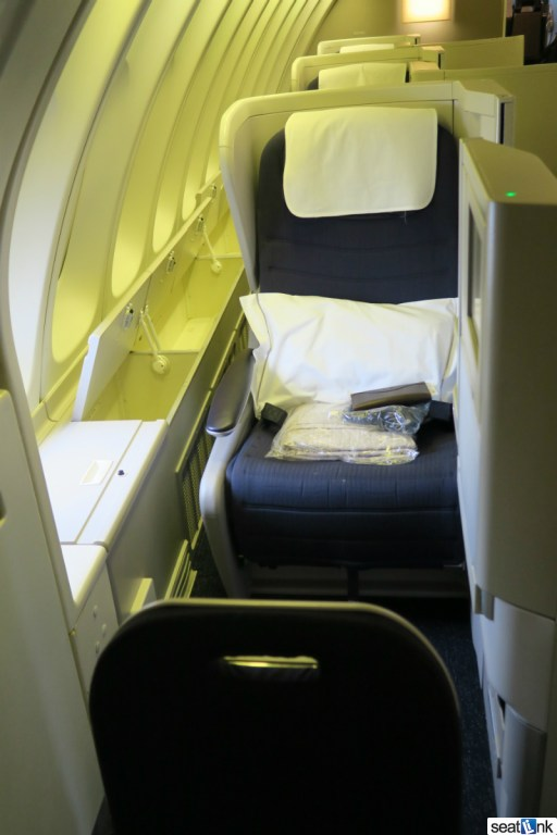 British Airways Business Class Review 747-400 Upper Deck 04