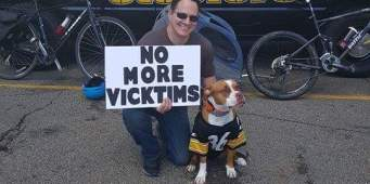 Dog lovers to protest Michael Vick's appearance at Seahawks Game today