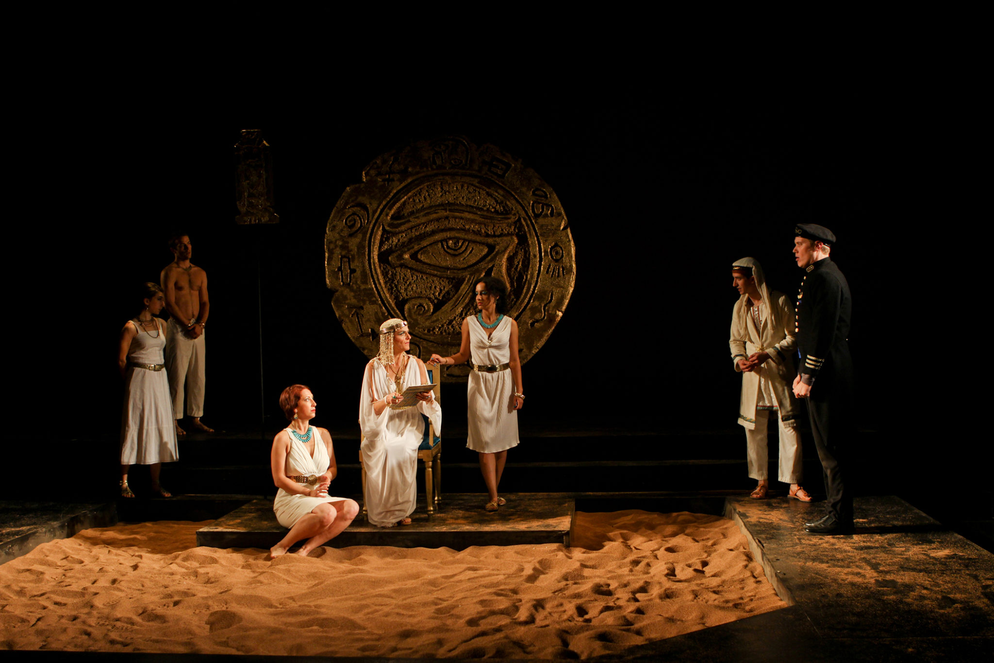 cleopatra and antony by shakespeare cleopatra as a performer  reviews antony and cleopatra' from orlando shakespeare theater  the  best-known of the new performers is michael dorn, who played.