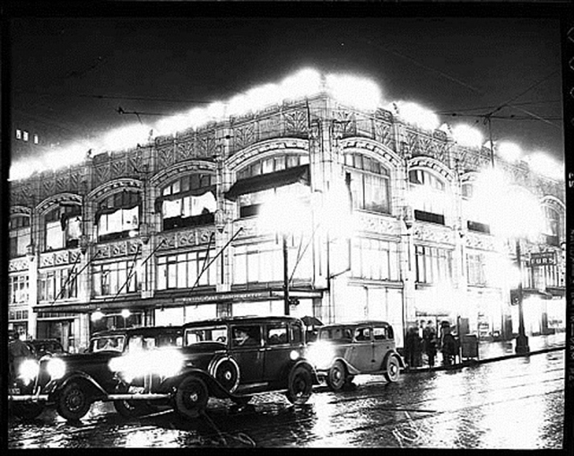 The Heffernan Building at 6th and Pine in downtown Seattle, home to the Seattle Post-Intelligencer during the 1936 newsroom strike. Photographed circa January 1936. Museum of History & Industry