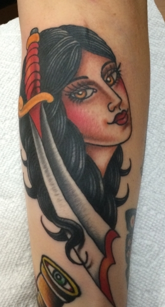 lady-dagger-tattoo