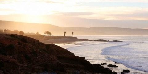 Wo kannst du im Winter preiswert Surfen lernen?