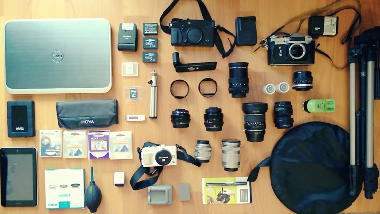 5 pieces of gear I carry in my photo bag