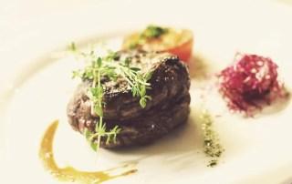 Steak Restaurant Filet auf Teller angerichtet