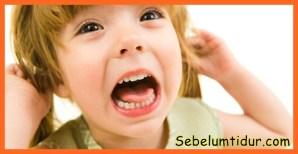 Cara mengatasi anak cengeng dan keras kepala