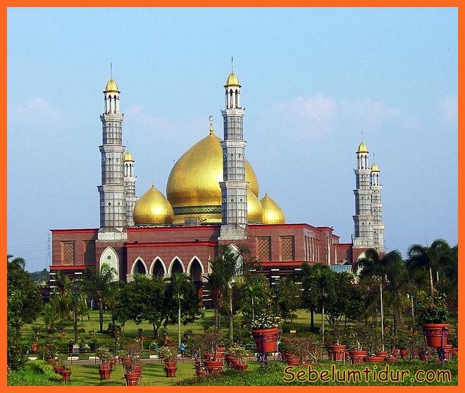 100 masjid terindah di indonesia