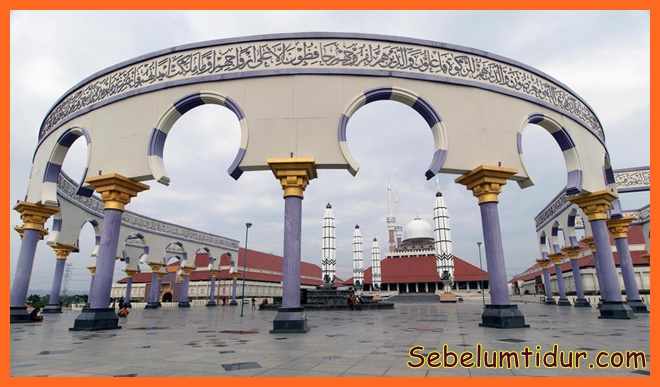 Urutan masjid terbesar di indonesia