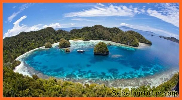10 Tempat Wisata Alam Terindah Di Indonesia Yang Wajib Kamu