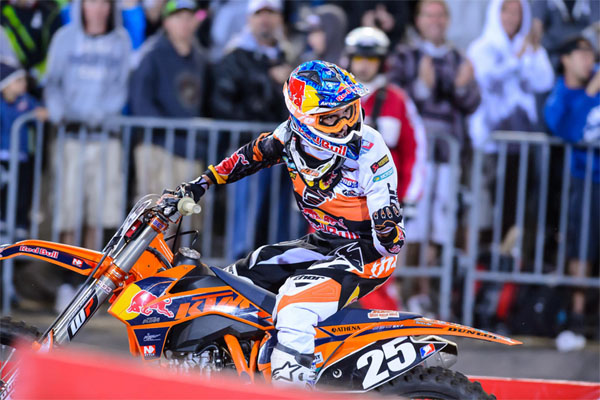 marvin-musquin-supercross-geneve-2013-victoire-win-SX-07122013
