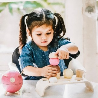 Plan Toys icecream set and piggybank