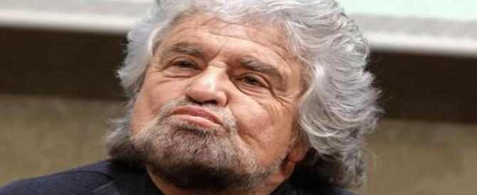 Grillo ora teme i pernacchi della base: «La svolta garantista è un'altra bufala»