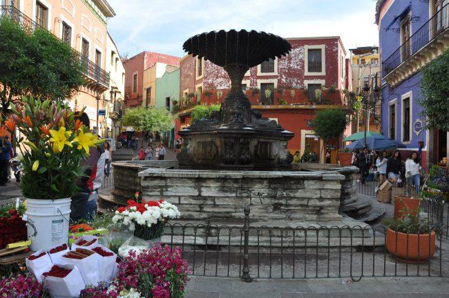 Plaza del Baratillo in Guanajuato, near Escuela Falcon