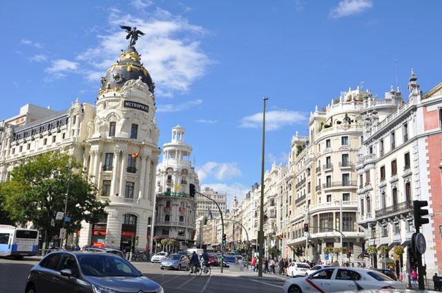 Sunny October day, Gran Vía, Madrid