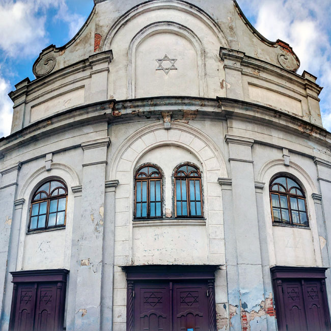 The Kaunas Synagogue, built in 1872 and now the only functioning synagogue in the city, a reminder of the vibrant Jewish community that once existed in the city before the Holocaust
