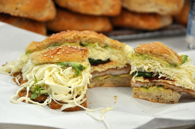 Delicious cemita (sandwich), Puebla food tour