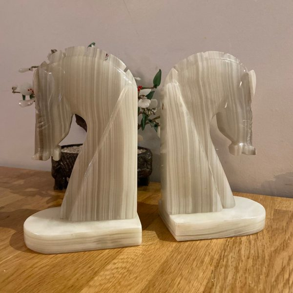 Front view of Onyx Horse Bookends