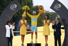 Vincenzo Nibali trionfa a Parigi al Tour de France