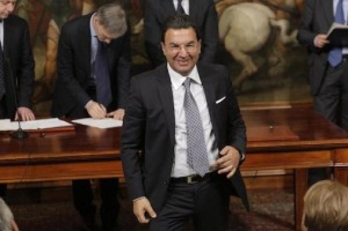 Il senatore Tonino Gentile subito dopo il giuramento da sottosegretario 28 febbraio 2014 (photo Lami/Ansa)