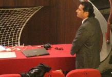Schettino in aula in uno degli interrogatori che lo vede imputato per omicidio colposo nel processo Concordia (Ansa/Russo)