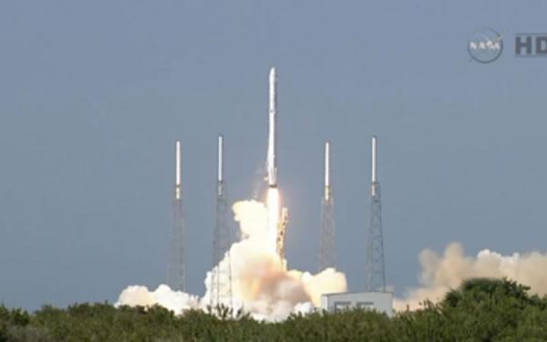 Il lancio della capsula Dragon, diretta alla Stazione Spaziale (Nasa/Tv)