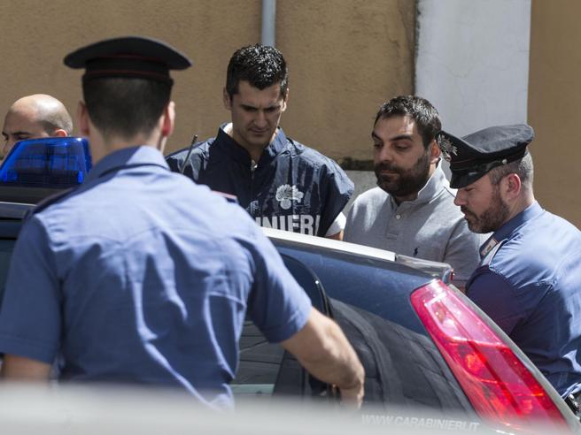 Luca Gramazio durante l'arresto