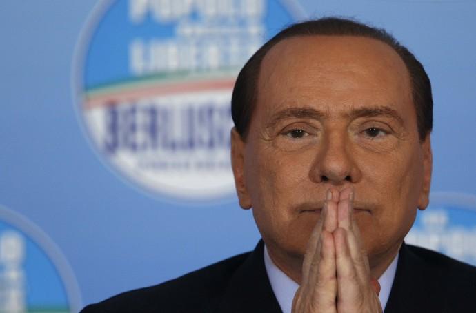 """Immigrati, Silvio Berlusconi: """"Siamo invasi, serve esercito. Ma governo dov'è?"""""""