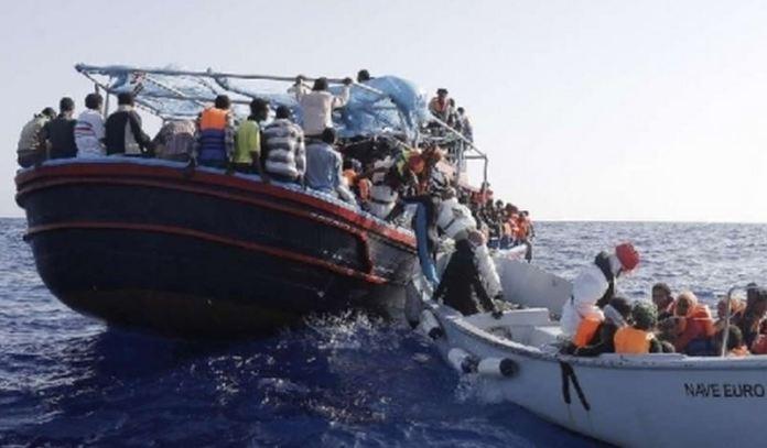 Migranti soccorsi in mare canale di Sicilia