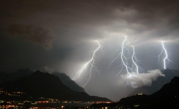 Maltempo, codice rosso in Sardegna. Scuole chiuse per ciclone allerta meteo in Sicilia, Calabria e Lazio