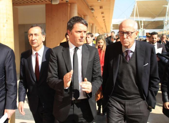 Il premier Matteo Renzi con il prefetto Francesco Paolo. Tronca a Milano Tronca sarà il commissario di Roma dopo la decadenza di Marino