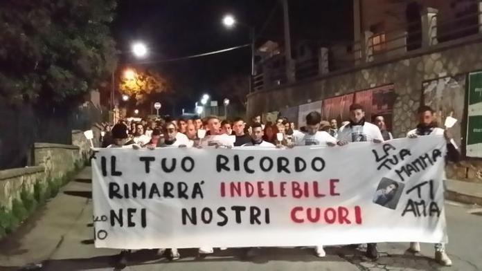 Catanzaro: omicidio Marco Gentile, fiaccolata in suo onore