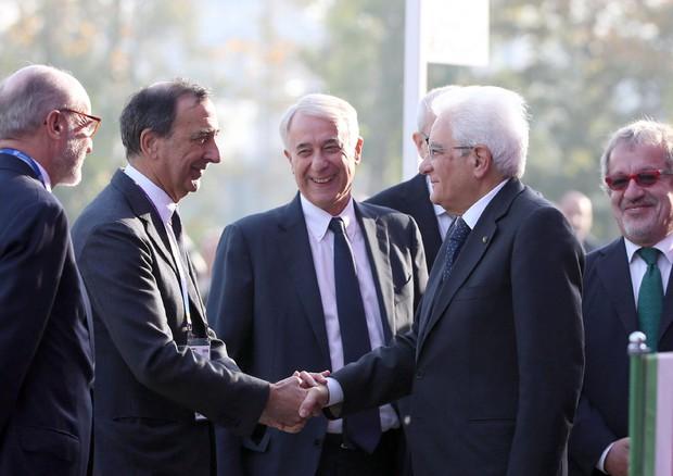 Il commissario Sala, Il sindaco Pisapia, il capo dello Stato Mattarella e Roberto Maroni alla cerimonia di chiusura di Expo