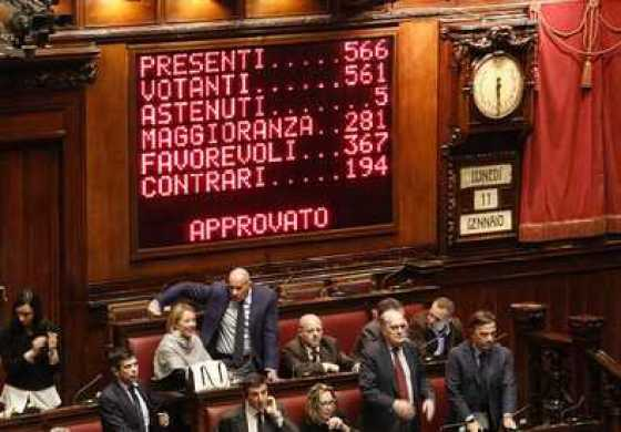 Riforme, la Camera approva il Ddl Boschi con 367 si