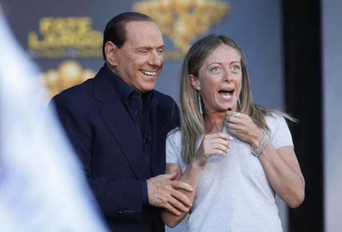 Silvio Berlusconi con Giorgia Meloni