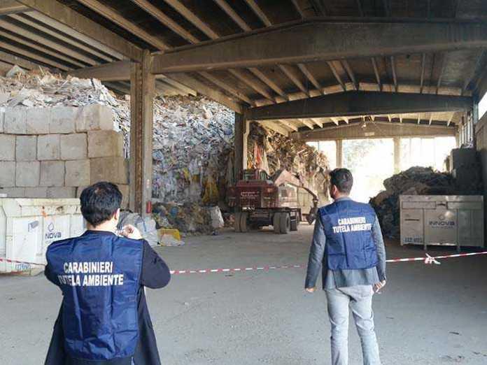 Torino, capannone-discarica. Sequestro di 200 tonnellate di rifiuti