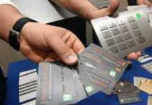 Milano, sgominata banda delle carte di credito clonate